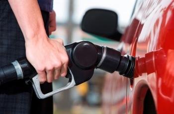 NJ – Revertida justa causa de frentista que vendeu combustível acima do permitido durante greve de caminhoneiros