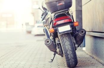NJ – JT-MG isenta empresa de indenizar vendedor que teve a moto furtada enquanto trabalhava
