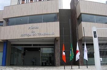 NJ – Acordo em Divinópolis regulariza vínculo de mais de 300 profissionais de saúde com o Hospital São João de Deus