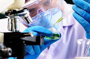 Notícia jurídica: multinacional deve pagar insalubridade máxima para trabalhador que lidava com produtos químicos