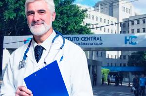 Decisão determina que médico idoso e cardiopata seja transferido para setor de baixo risco