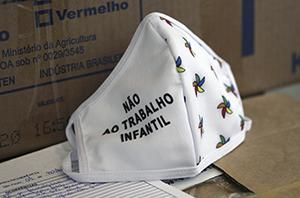 Entidades beneficentes recebem 6 mil máscaras de proteção do TRT-2
