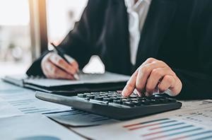 Sucumbência em parcela mínima dos pedidos dispensa pagamento de honorários aos advogados da parte contrária